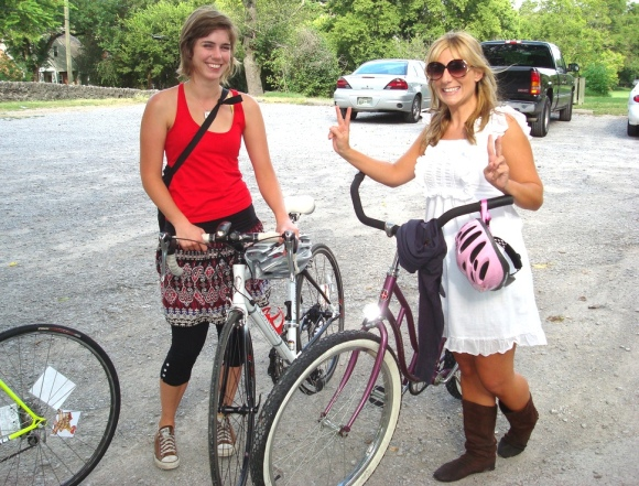 Bike Skirt girls and their Nashville friend Britany, who was new to biking     (and her purple cruiser).